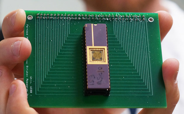 Memristor Circuit by UCSB.